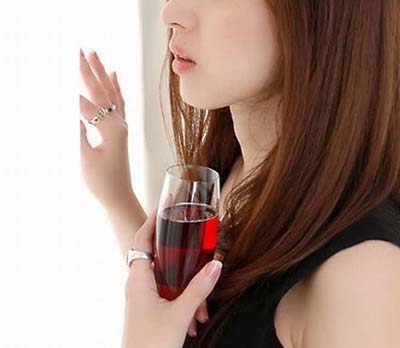 asian-girl-with-glass-of-wine